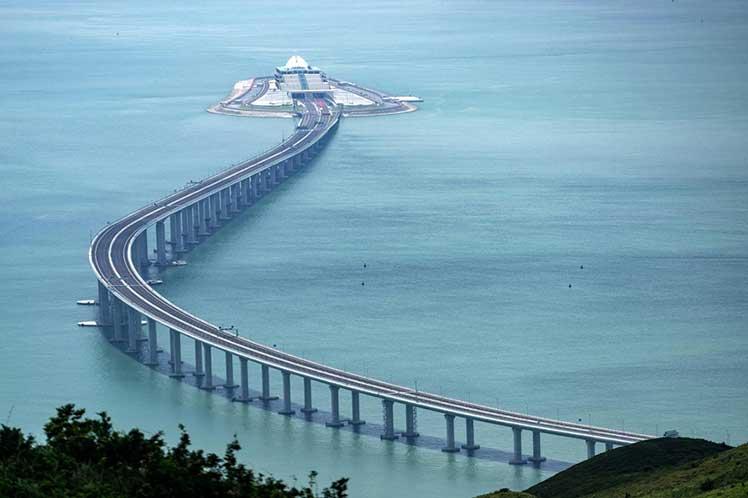world longest sea bridge